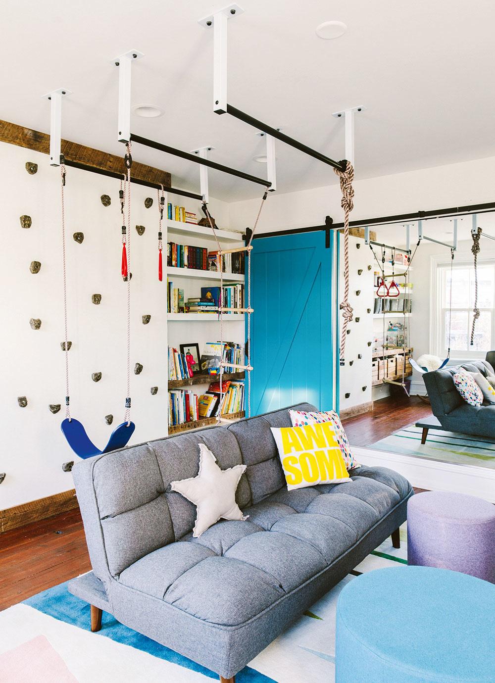 DETSKÁ IZBA či obývačka sa môže stať telocvičňou plnou smiechu, zábavy idobrodružstva. Šikovné amultifunkčné pomôcky smoderným dizajnom nezaberú veľa miesta azabavia celú rodinu.