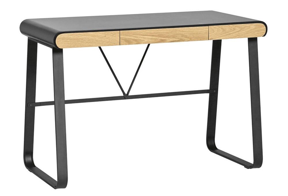 PRACOVNÝ STÔL so zásuvkami od značky Marckeric vnesie do vašej pracovne eleganciu aj inšpiratívnu atmosféru. Je vyrobený z kovu a dreva, rozmery sú 110 × 76 × 55 cm. Za 290 € ho nájdete v ponuke Bonami.