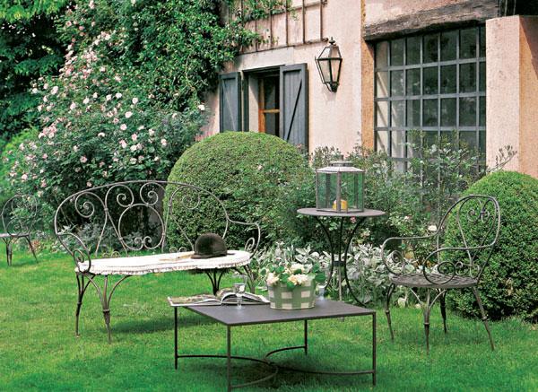 Na čom si posedieť na terase, či záhrade?
