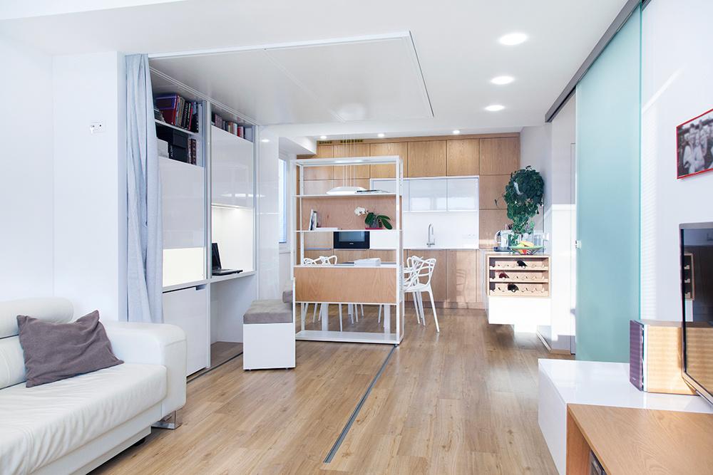 Malý byt s variabilným nábytkom
