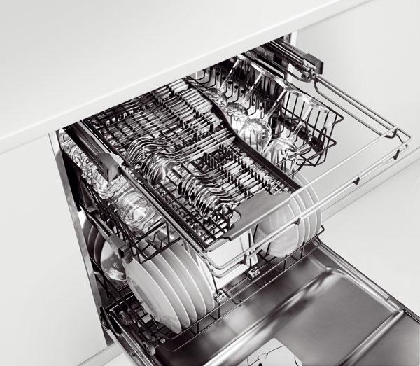 Umývačka riadu Whirlpool PowerClean Max