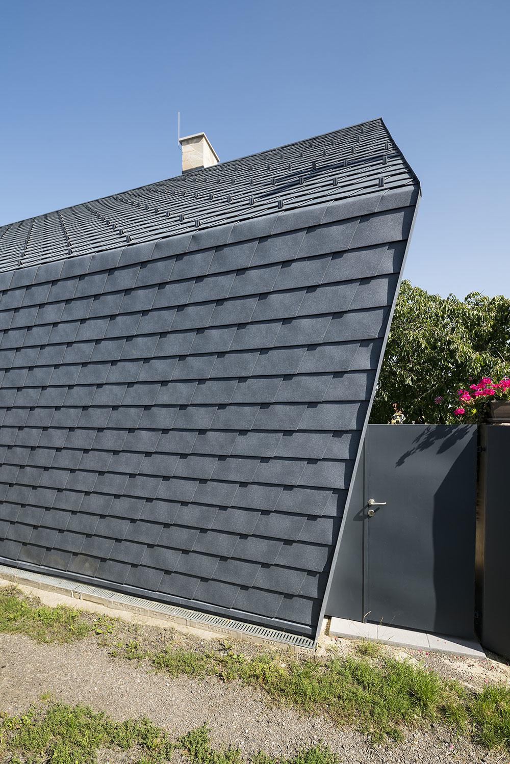 obal strechy je z hliníkových tvaroviek
