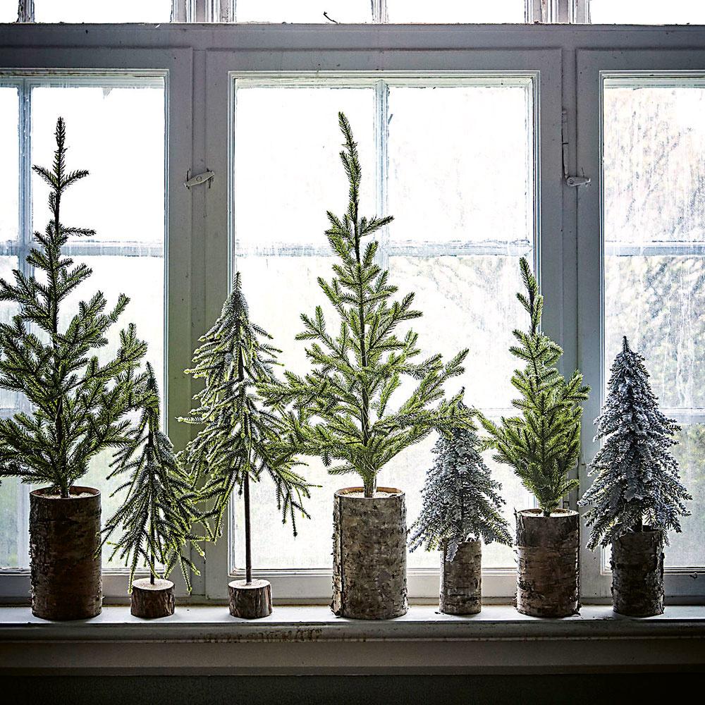 vianočné zátišie so stromčekami