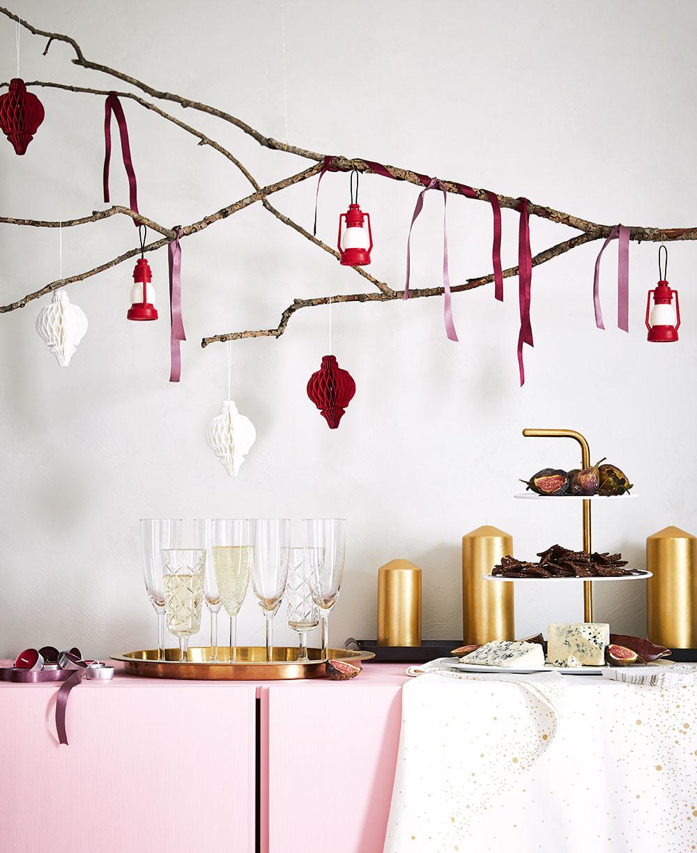 Závesná dekorácia VINTERFEST, papier, výška 11 cm, 4,99 €/4 ks, IKEA.