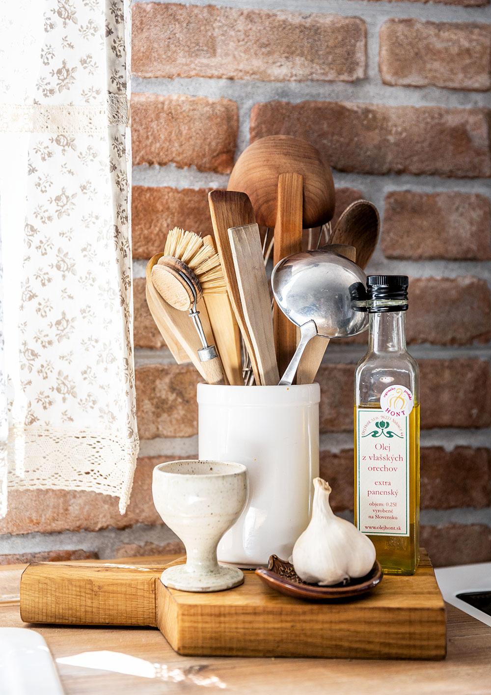 detail na kuchynské pomôcky