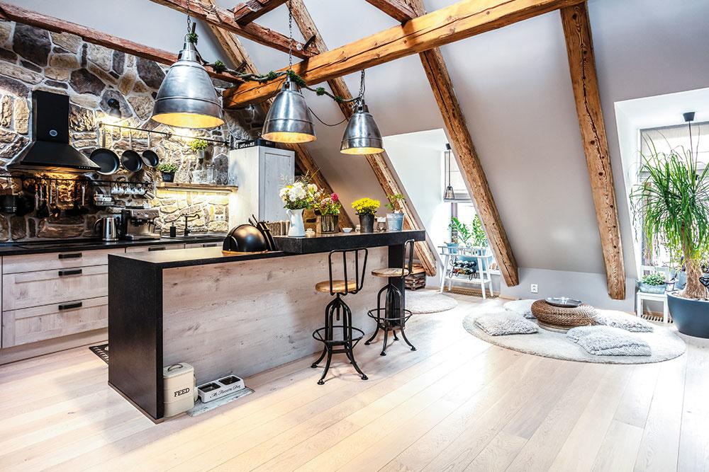Otvorený denný priestor s kuchynou