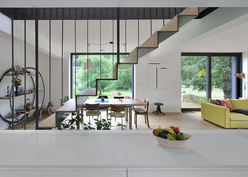 kuchyňa so schodiskom