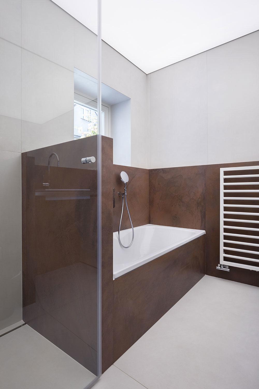 sprchový kút a vaňa