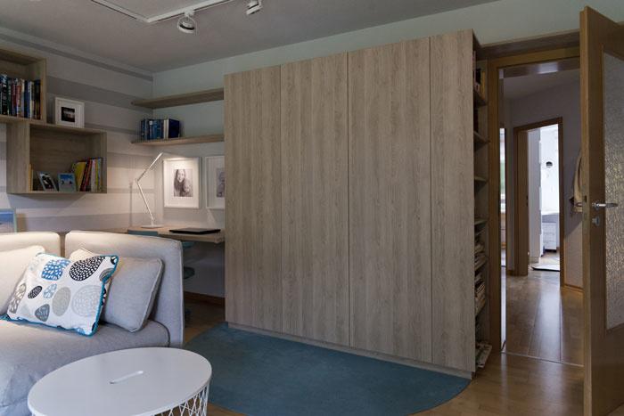 obývacia izba s úložnými priestormi