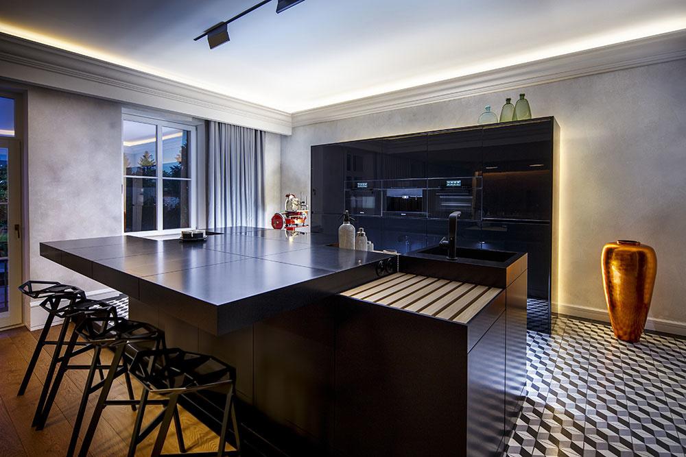 kuchyňa v čiernom dizajne