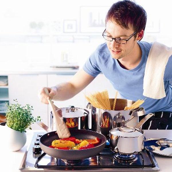 Sen žien – Muži v kuchyni