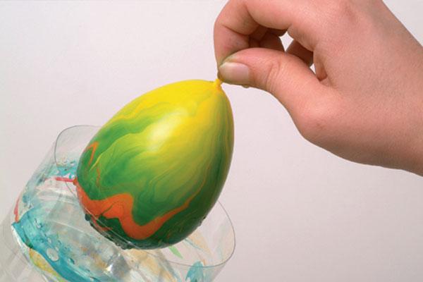 Ako na mramorované veľkonočné vajíčka