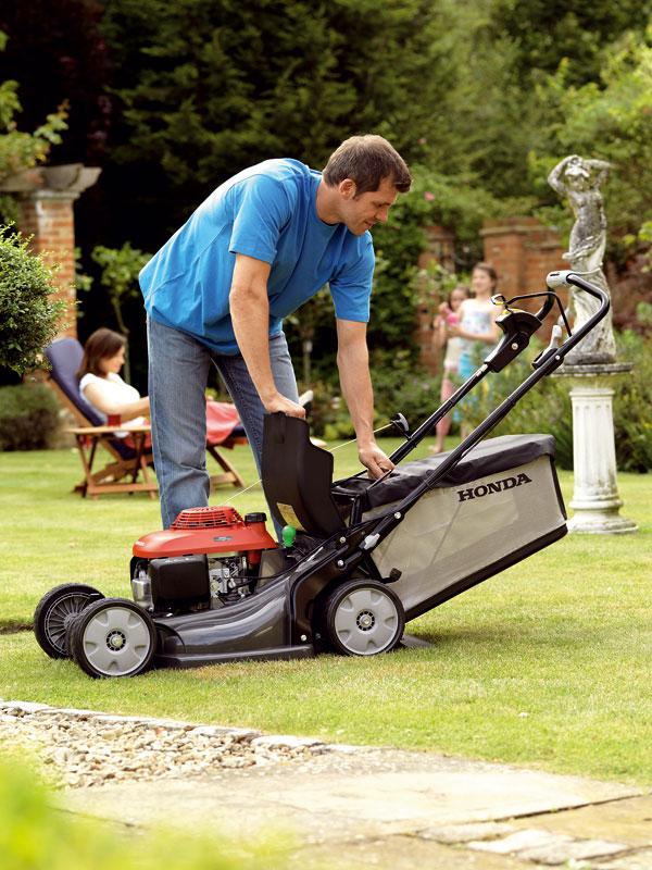 Záhradnou technikou na boj s trávou