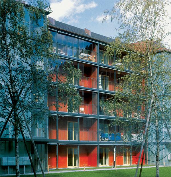 Zasklievanie lodžií a balkónov