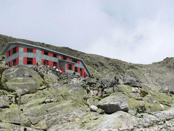 Zrekonštruovaná Chata pod Rysmi bude z bieleho pórobetónu