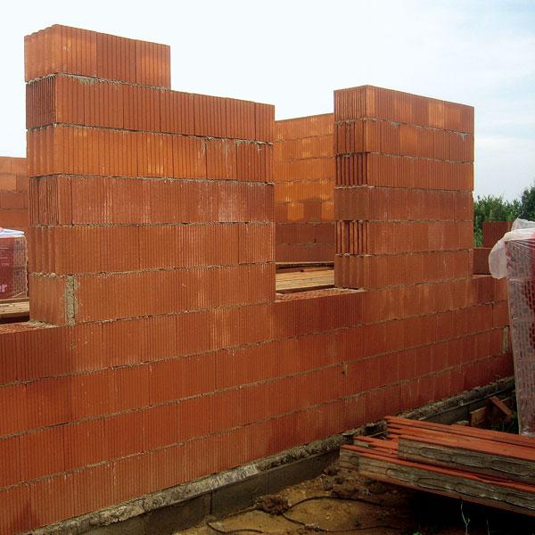 Stavebný materiál na stavbu chaty