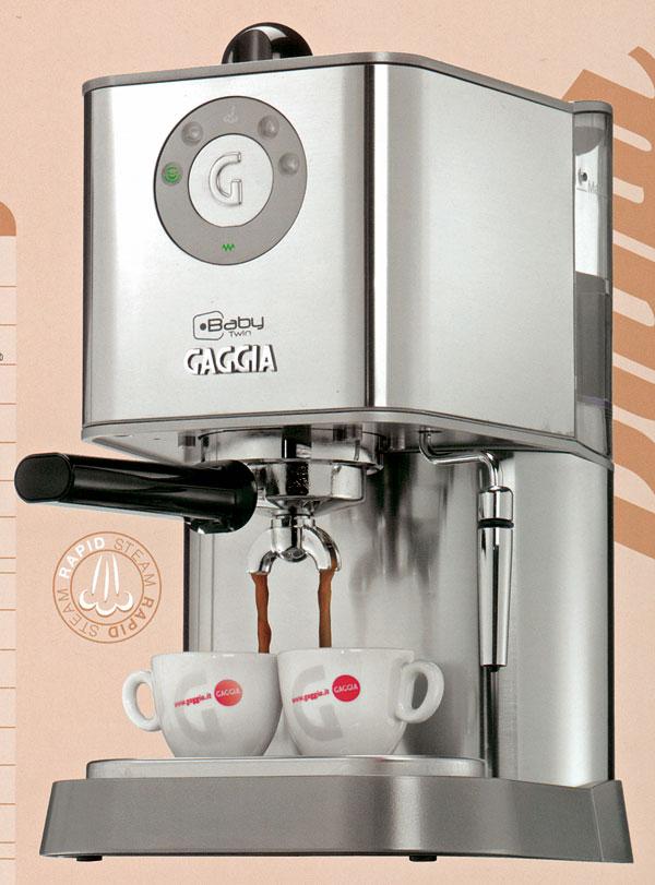 Pákový espreso kávovar Baby Twin od firmy Gaggia sdvojitým ohrevom na rýchlu paru, kapučíno systém, aktívny ohrev šálok, príprava horúcej vody, programovateľné dávkovanie množstva kávy, dotykové elektronické ovládanie, POD systém