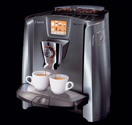 Kávovar Saeco Primea Cappuccino Touch Plus umožňuje pripraviť dve kapučína jedným dotykom. Čerstvé mlieko je dávkované z integrovanej nádobky. Vďaka pokrokovej technológii je zásobník na mlieko a všetky súčasti, ktoré sú v kontakte s mliekom, vždy čisté.