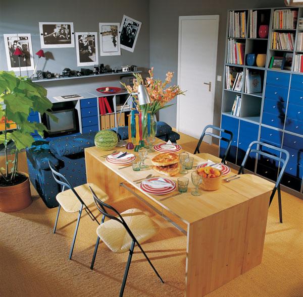 Dva stoly s trojakým účelom