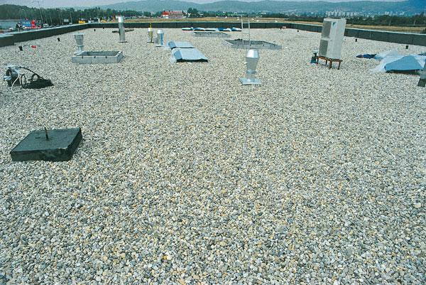 Plochá strecha môže byť aj dobrá