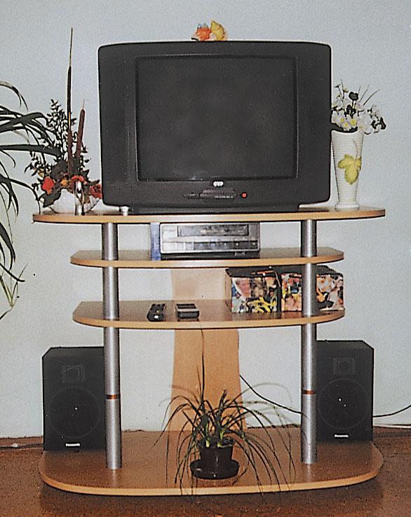 Urobte si stolík pod televízor