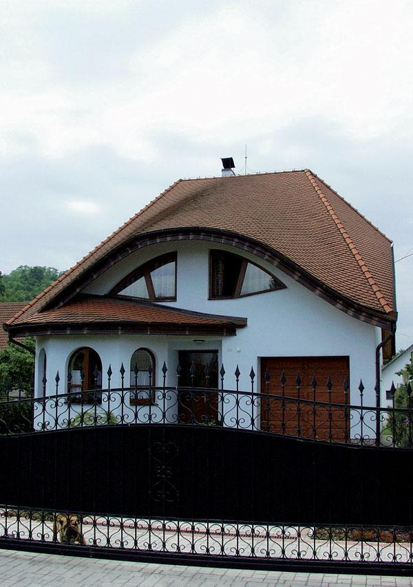 Čím zakryť šikmú strechu? (1.časť)