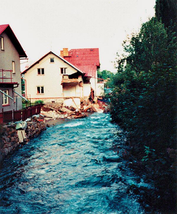 Prvá pomoc stavbe po záplave