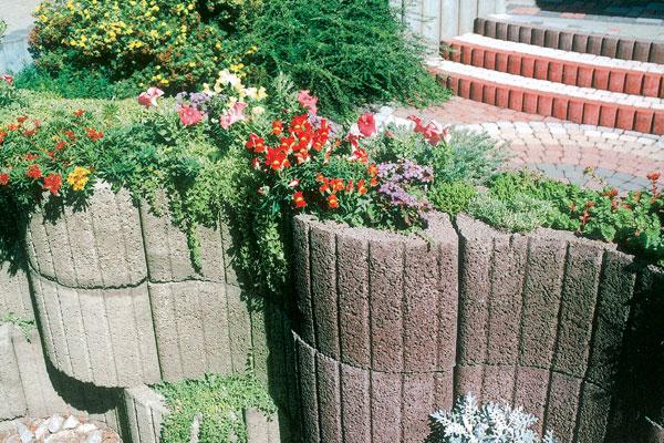 Skalky a kvetinové múriky