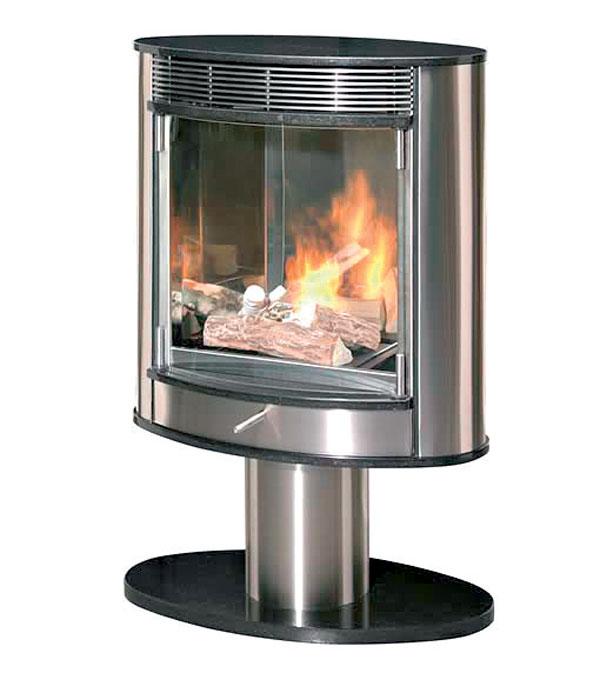 Živý oheň v kozube bez komína