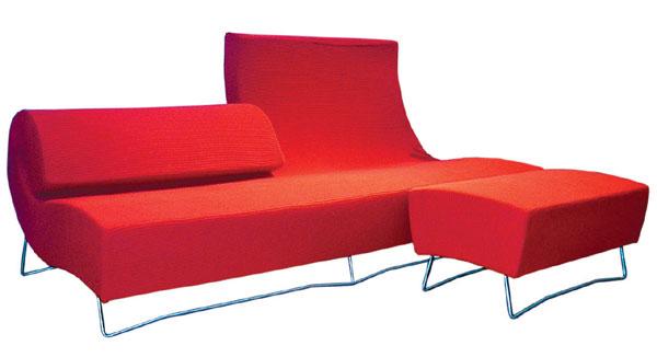 Čierna, biela ... a červené chaise longue