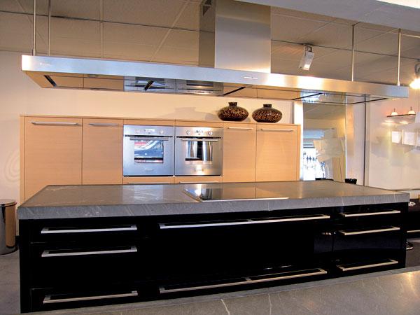Čo musíte vedieť o kuchynskej doske a o zadnej stene kuchynskej linky