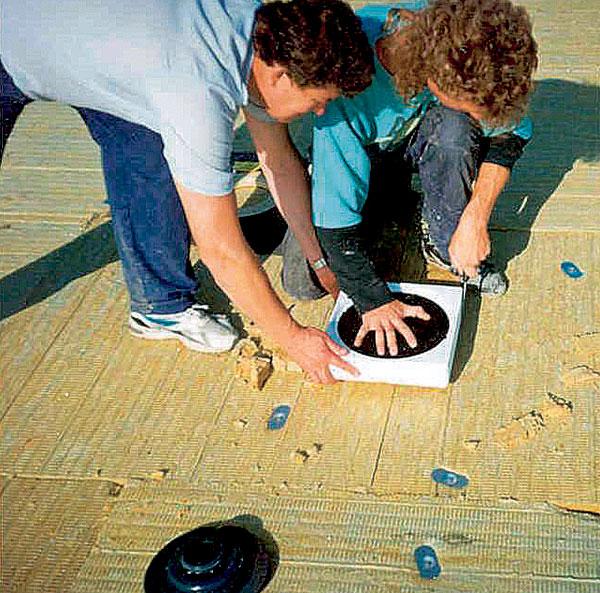 Nepodceňujte odvodnenie plochej strechy