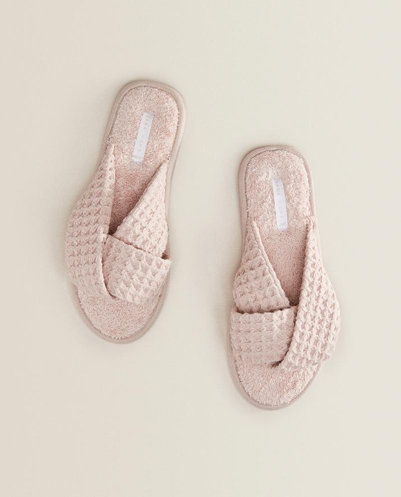 Ružové úpletové papuče s vafľovým vzorom