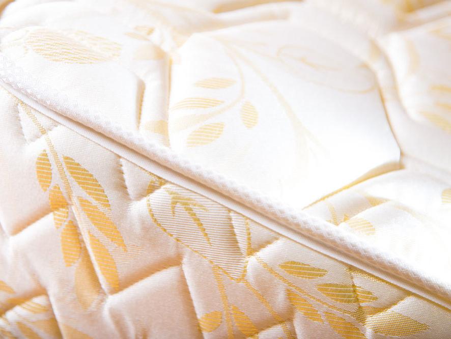 Vyberáme matrac – tvrdý či mäkký, penový, pružinový alebo taštičkový?