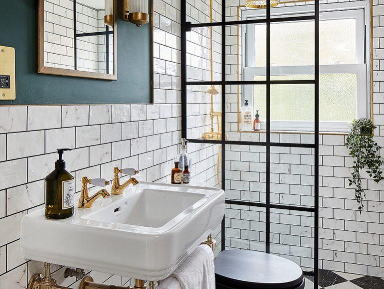 Premena kúpeľne s nápaditými dizajnovými trikmi