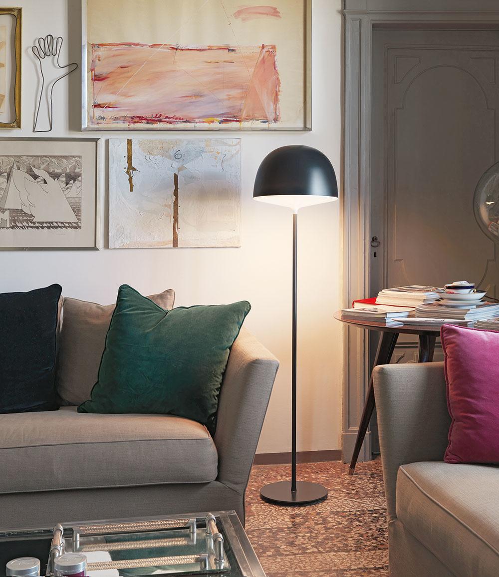 Stojacia lampa Cheshire od značky Fontana Arte, 425 €, ambientedirect.com