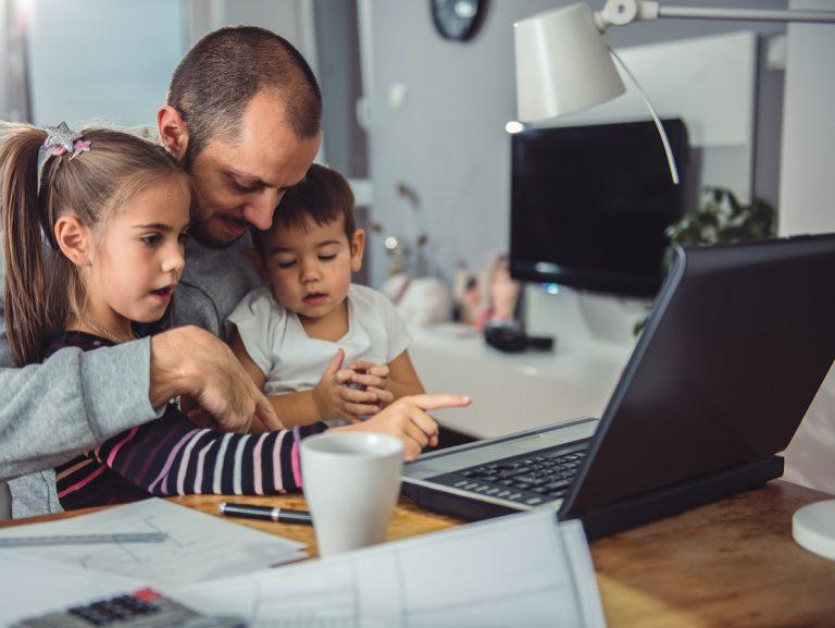 Domáca pracovňa a domáca učebňa: Ako ich vytvoríte, aby ste zvládli karanténu?
