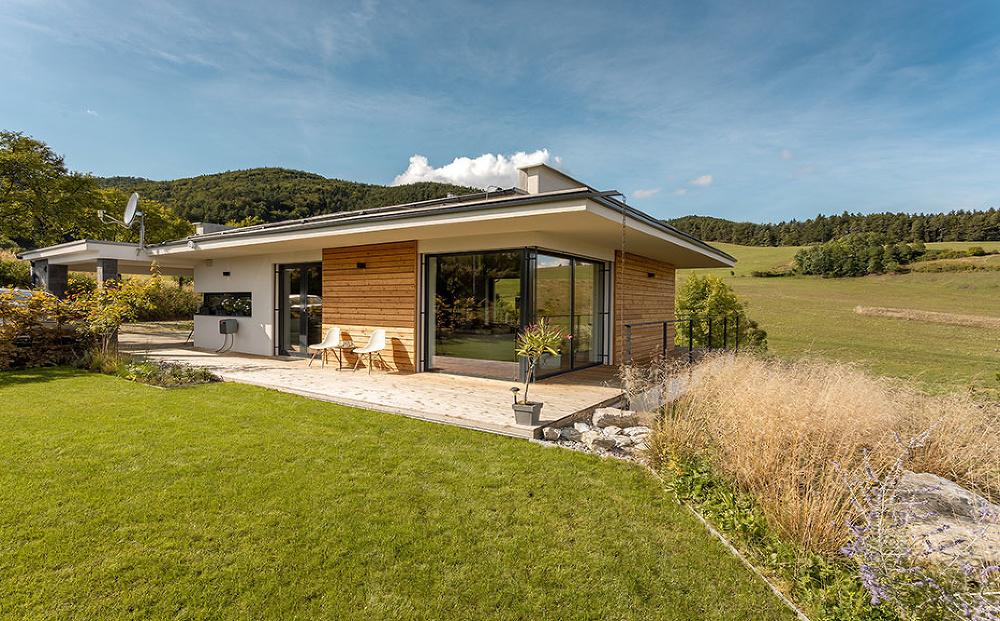 Dom v objatí prírody