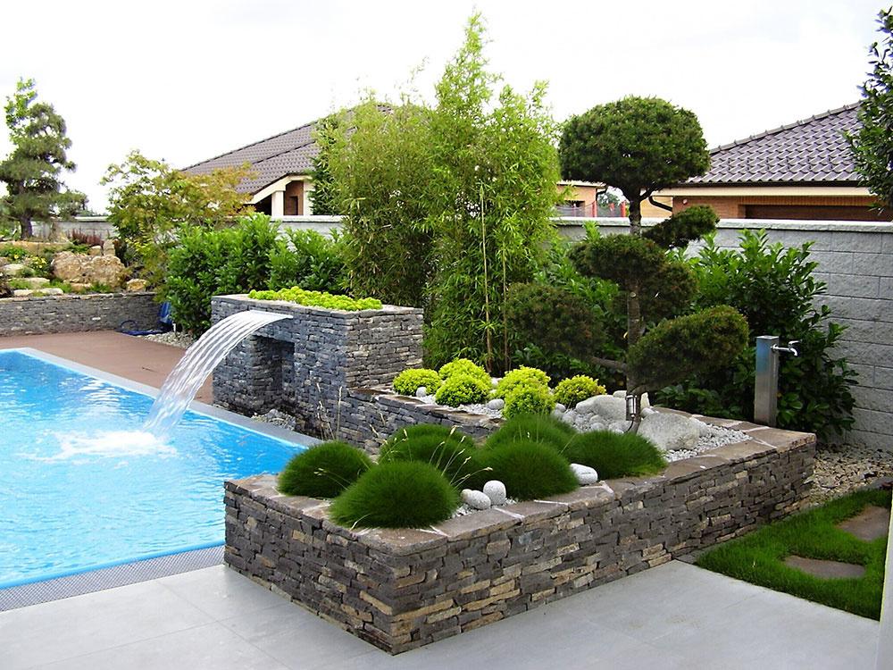 Letné osvieženie v záhradnom bazéne
