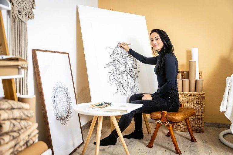 Milé bratislavské bývanie slovenskej umelkyne Deni Minar (VIDEO)