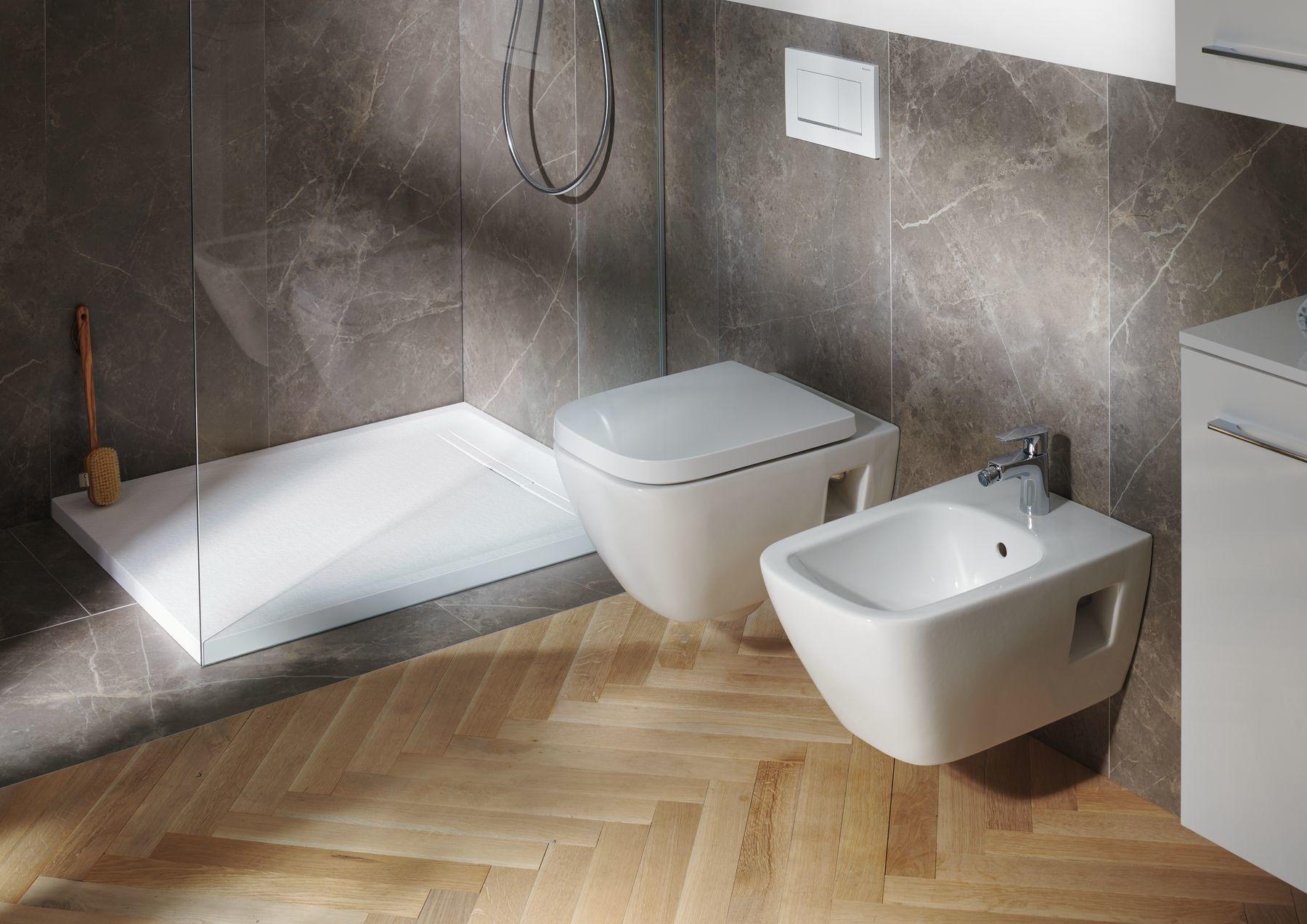 Toaleta a bidet v modernom hranatom dizajne