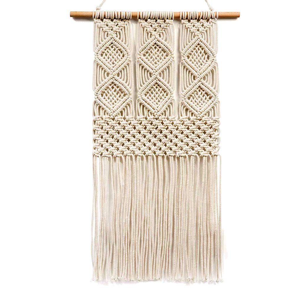 Makramé, závesná dekorácia z bavlny, 13 €, amazon.com