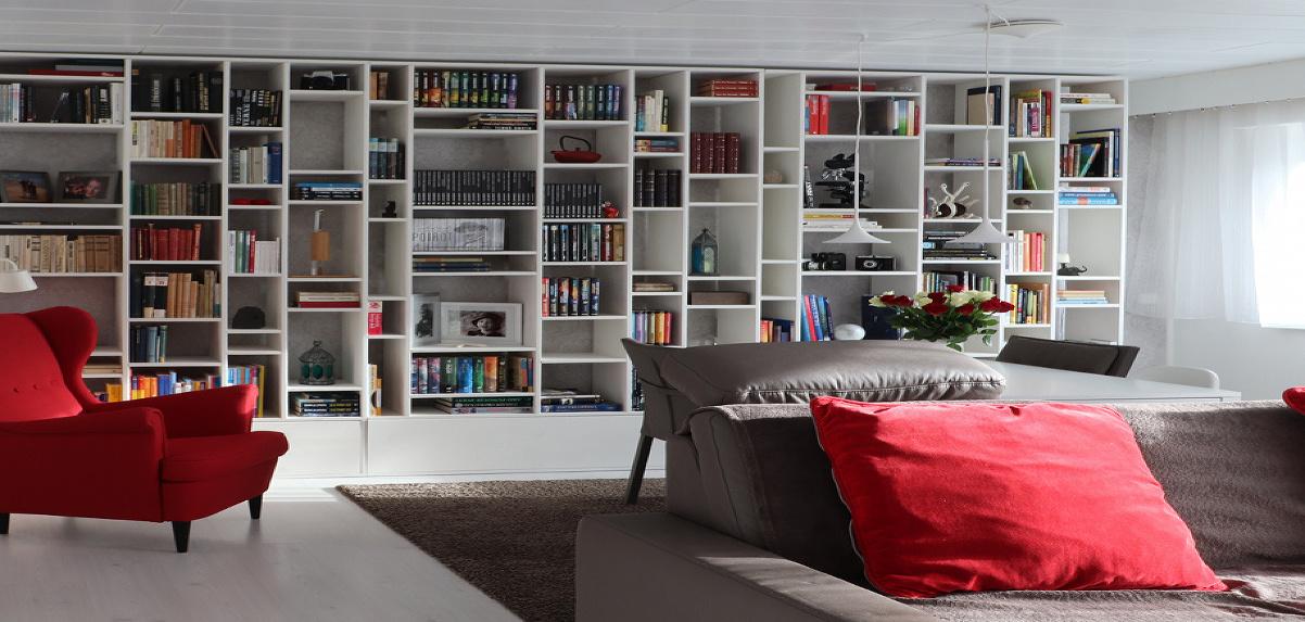 Svojpomocne vyrobená knižnica
