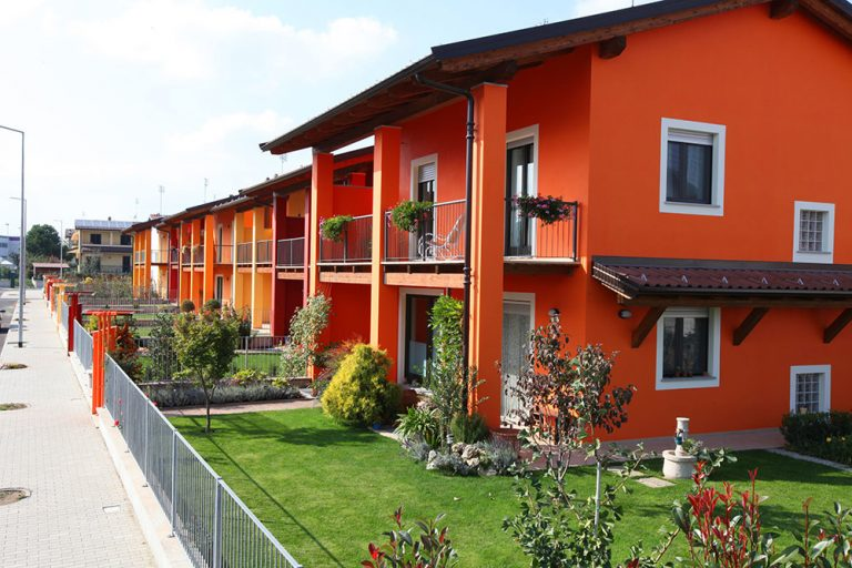 Originálne farby na fasádu domu