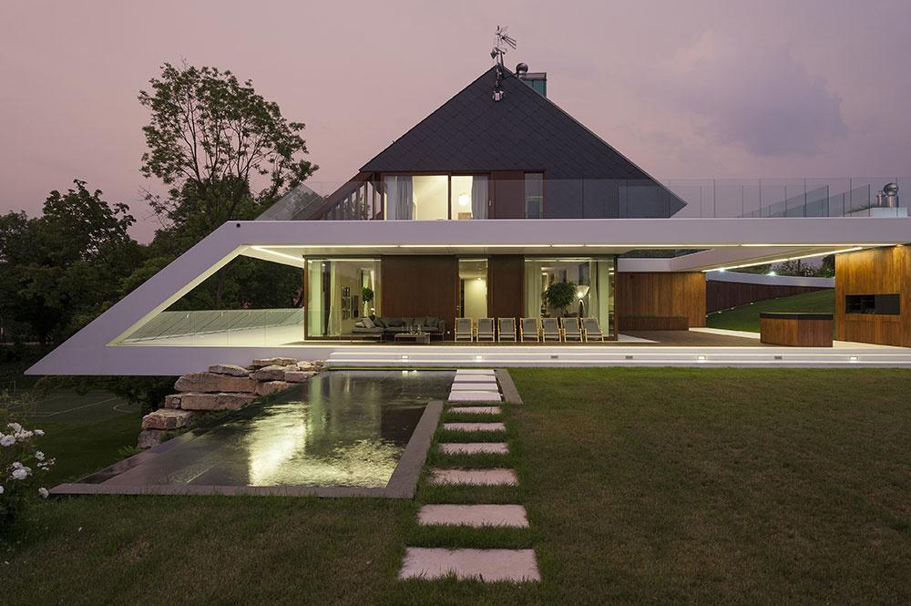 Najlepší rodinný dom v Poľsku postavili na nepraktickom pozemku