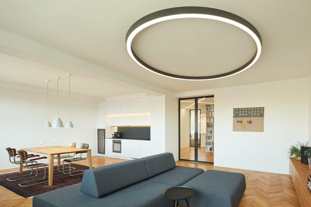 Obývačka, kuchyňa a jedáleň v jednom: Po rekonštrukcii vzniklo nové centrum bytu