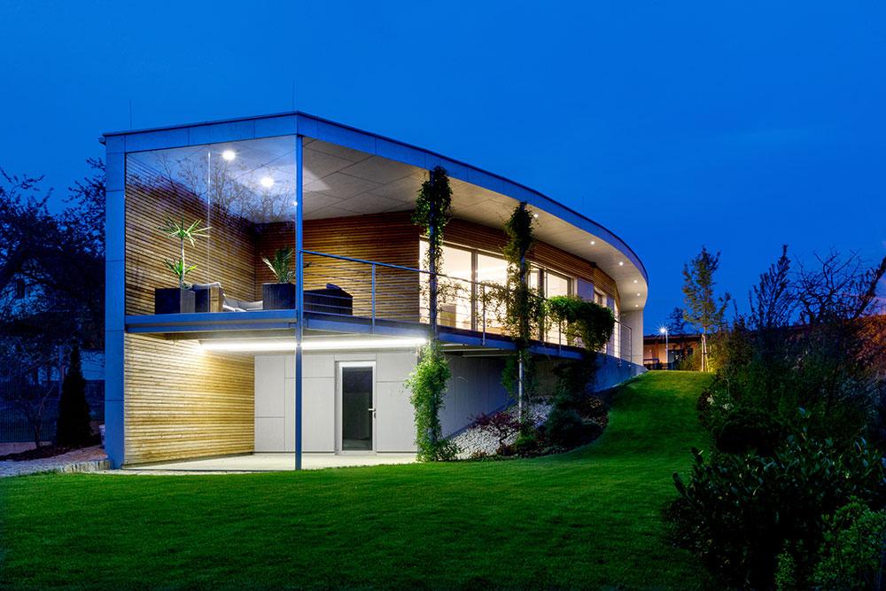 murovaný rodinný dom s terasou
