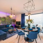 Sutaz-Interier-rokuModerný pánsky byt s rastlinnými dekoráciami