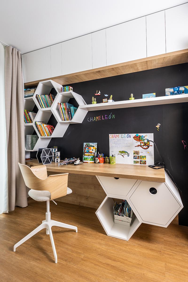 chlapčenská izba zariadená na mieru