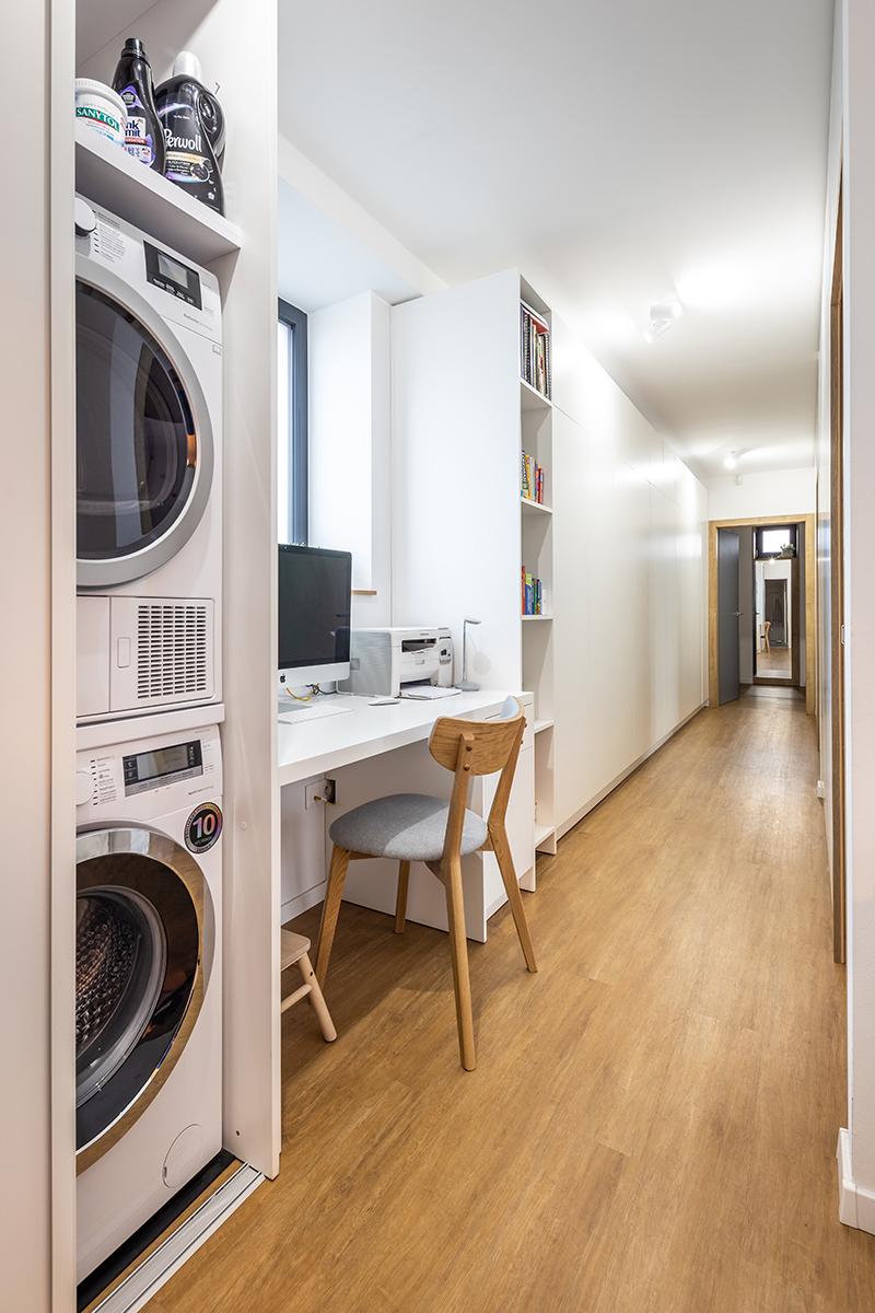 práčka a sušička v skrini